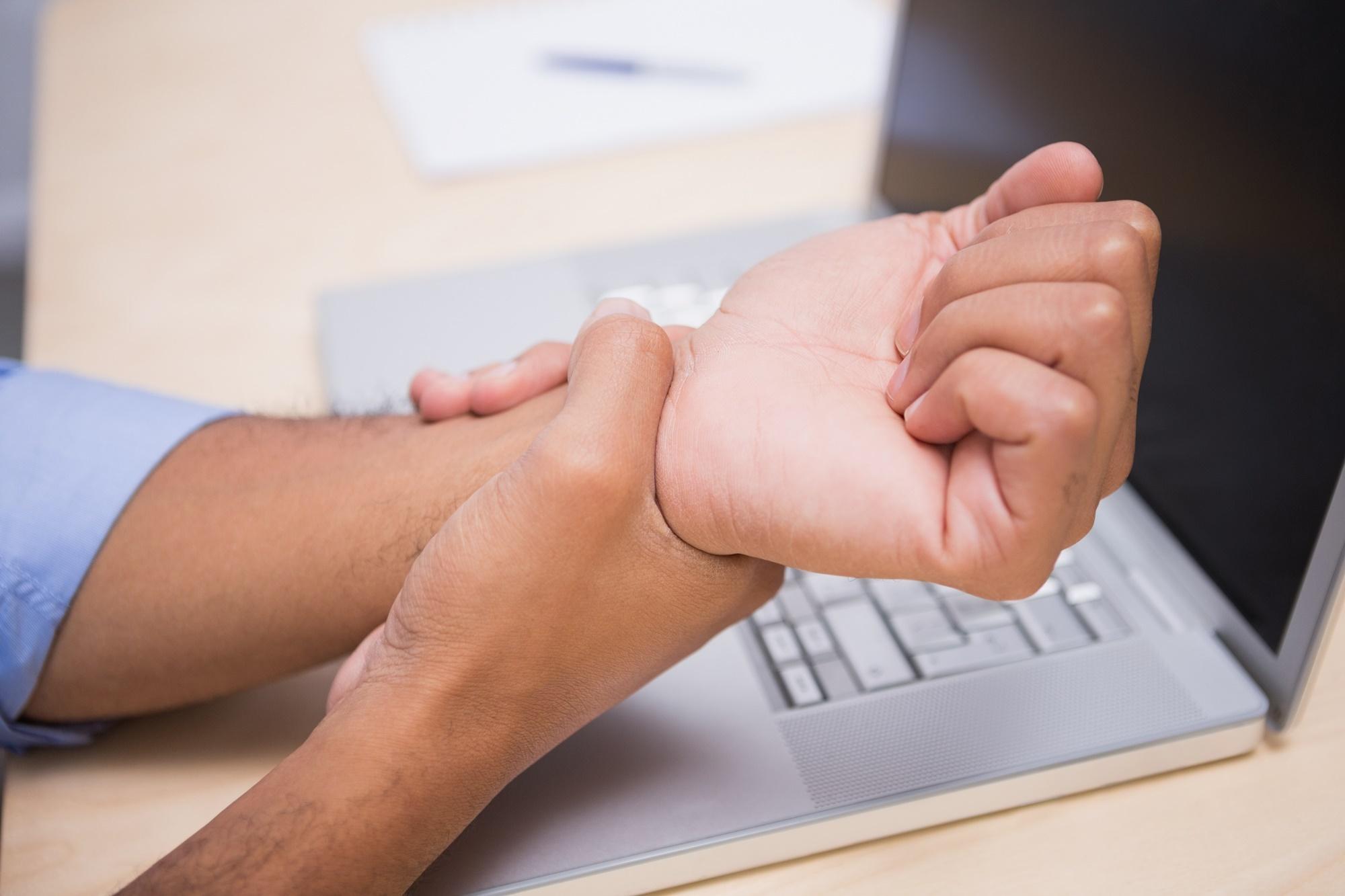 Tendinite confira os sintomas e as principais causas no trabalho